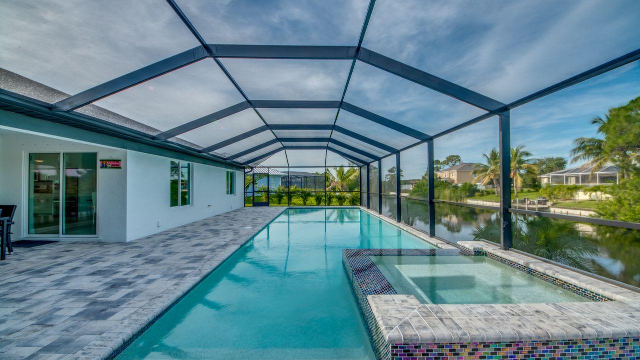 Amerikanischer Kühlschrank Expert : Villa cape coral 13058 u2013 neubau 2018 übergroßer pool mit jacuzzi