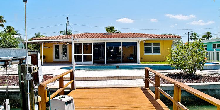dolphin home auf treasure island wundersch nes ferienhaus an der boca ciega bay florida. Black Bedroom Furniture Sets. Home Design Ideas