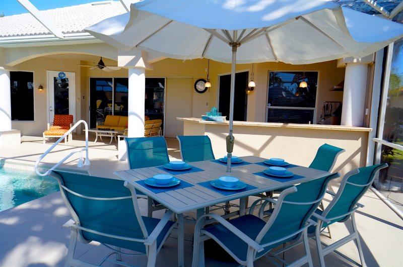 Außenküche Für Kinder : Villa cape coral u luxuriös mit außenküche und