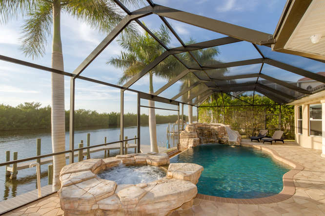 Villa Cape Coral 12473 – mega Luxus – komplett neu ...