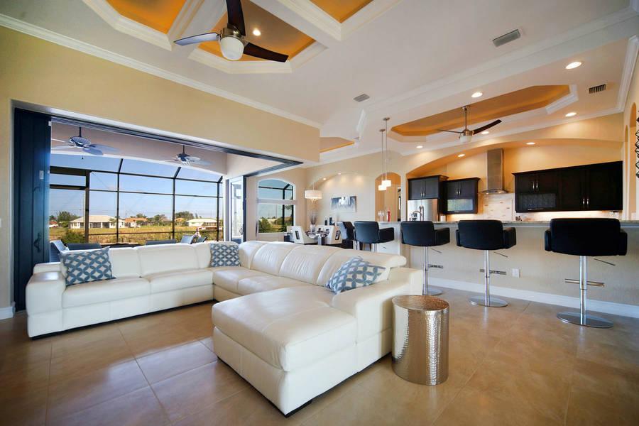 Villa cape coral u neubau aus hell und modern pool